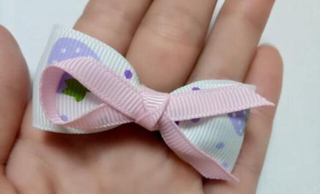 用丝带制作蝴蝶结发卡步骤教程