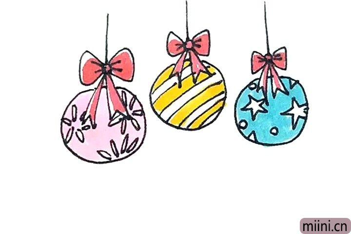 第七步:最后涂上好看的颜色,圣诞彩球就画好了