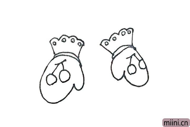5.手套上可以加上自己喜欢的图案或者装饰。