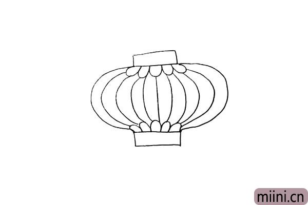 第四步.我们用一条条弧线勾勒出灯笼的骨架。