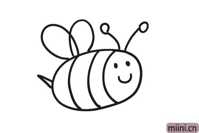 6.然后在小蜜蜂的背部, 画上一对小翅膀。
