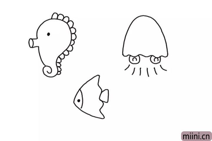 3.在中间画一只小海鱼。