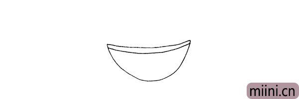 第二步.两天弧线.画出果盘的边缘。