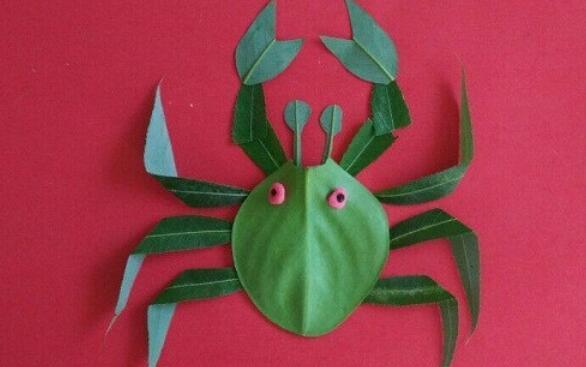 可爱的小螃蟹树叶贴画亲子手工步骤教程
