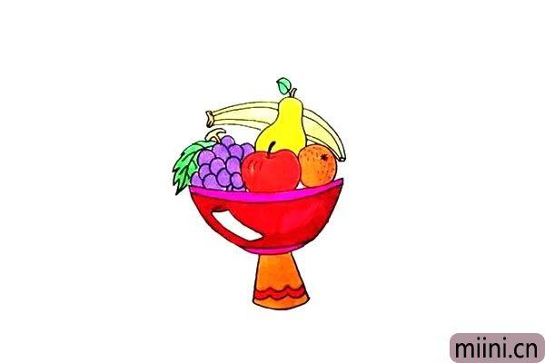 第十一步.最后把漂亮的水果盘涂上喜欢的颜色吧。