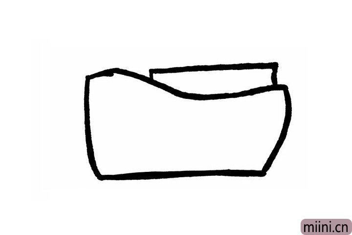 1.先画出梯形状的轮船底部轮廓,左边比右边稍微高一些,而且要有一定的弧度!轮船一般都会有好几层哦!隐藏在梯形形状轮船底部后边的长方形就是轮船的第一层啦~