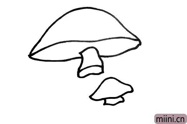 第五步.同样我们把小蘑菇也画出上节柄。