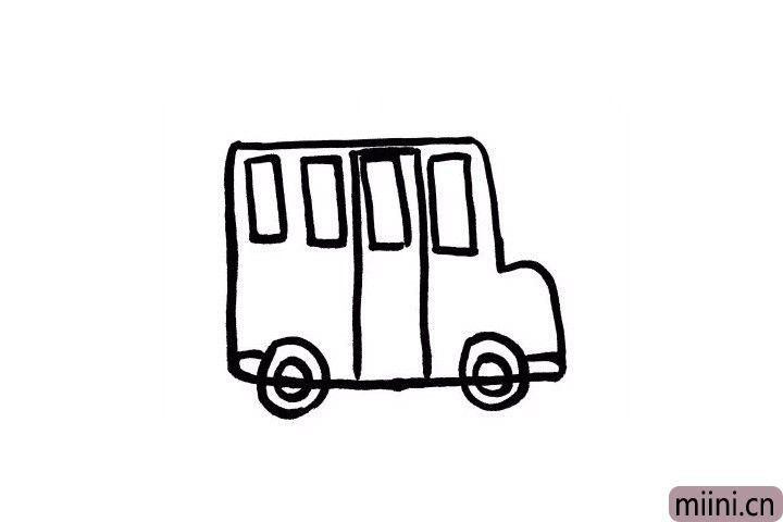 5.校车的前后两侧也是有车灯的,小朋友要记得画一下哦!