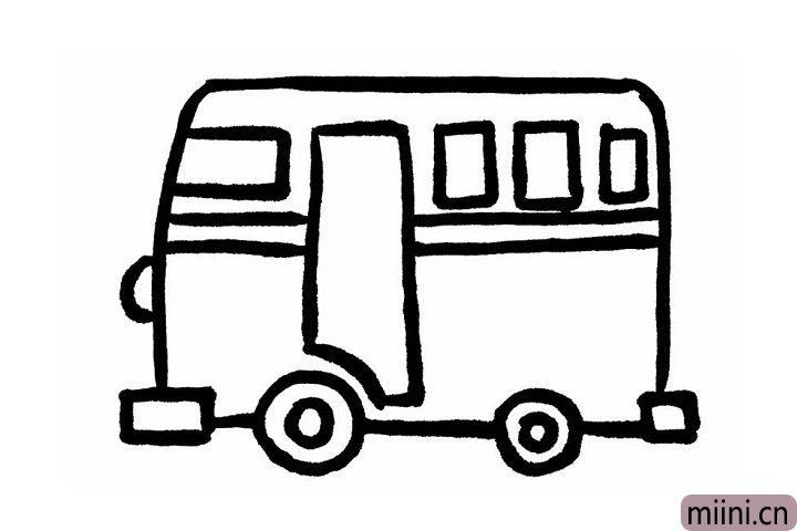 5.我们在车头部分给公交车画上圆圆的车灯。然后在两个车轮中间画两个圆形,丰富后的公交车轮更逼真呢!