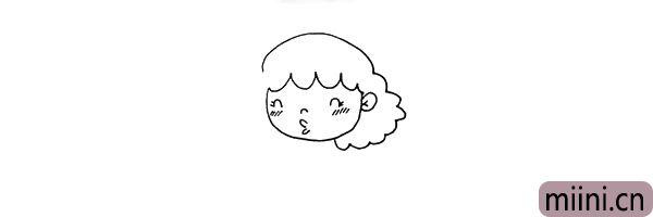 第五步:接着画出她头顶和一侧的头发.头发是蓬松的卷卷的。