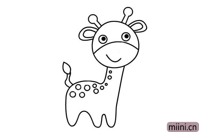 5.然后就是画它的弯弯上翘的小尾巴,在长颈鹿身上画出小花纹。
