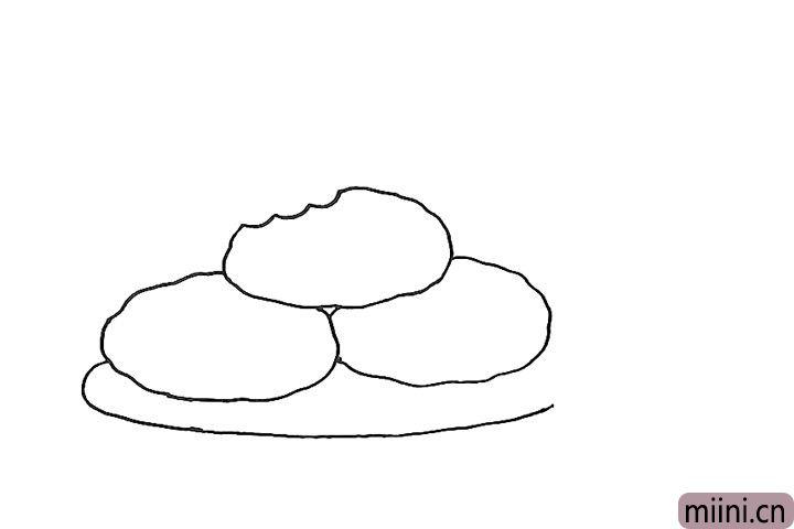 3.画出盘子的轮廓。