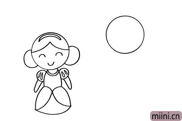 2.几笔简单的线条,就把圆形改为了一个可爱的小公主,你还可以尝试变换造型。
