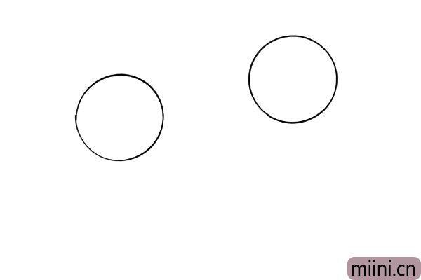 1.先在纸上画出两个圆形,一个圆形的位置高一点,一个低一点,这是因为她们的身高不同。