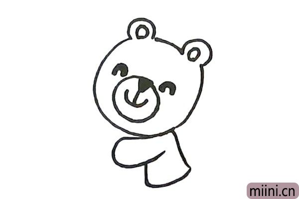 3.画小熊的小小身体。