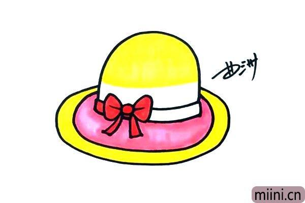 4.黄色是曲老师最爱的颜色,所以我画的太阳帽也是黄颜色的,你还能设计出造型不同的太阳帽吗?
