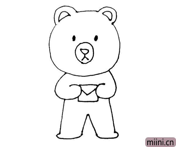 第六步:用弧线连接小熊的腿,接着在小熊手中画上一个小信封。