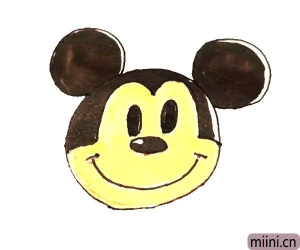 第六步:最后给画好的米老鼠涂上漂亮的颜色就好了。
