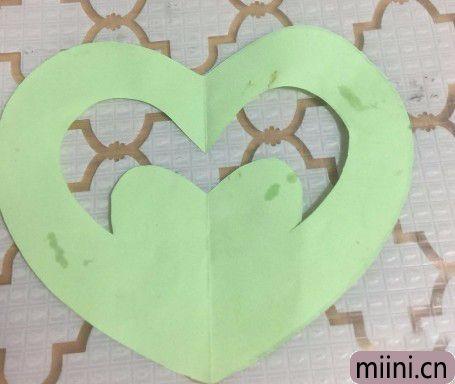 爱心剪纸的方法,特别的简单