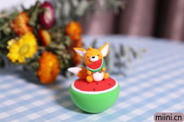 爱吃西瓜的小狐狸的粘土制作步骤教程