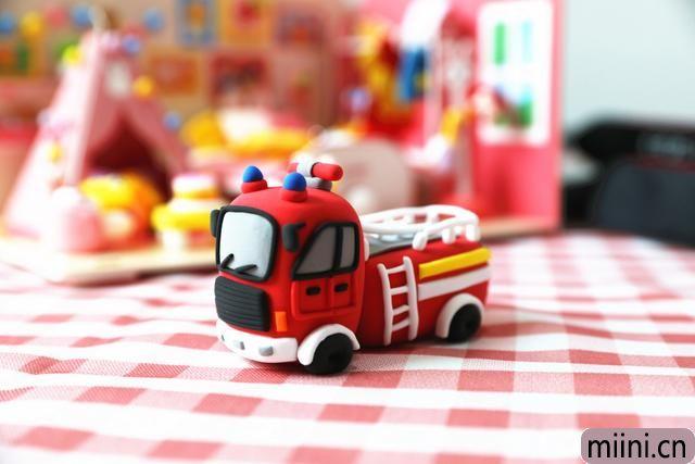 消防车粘土制作步骤教程