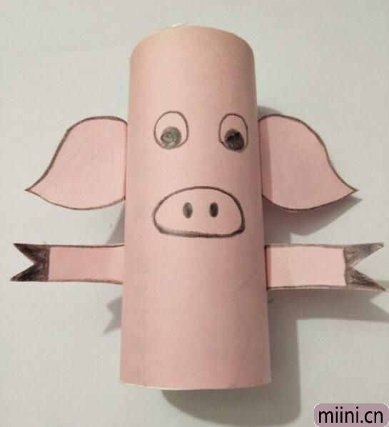 小猪笔筒10.jpg