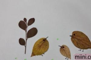 用树叶制作母鸡和小鸡的树叶贴画步骤教程