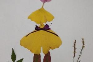 用银杏叶制作一位美丽的少女树叶贴画步骤教程