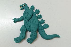 用软陶粘土制作科斯拉怪兽步骤教程