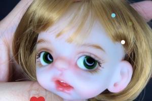 OB11娃娃粘睫毛的过程,一根根粘的真的需要有耐心!