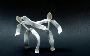 教你折纸武打小人,可以随意扭动造型,摆在桌上当手办!